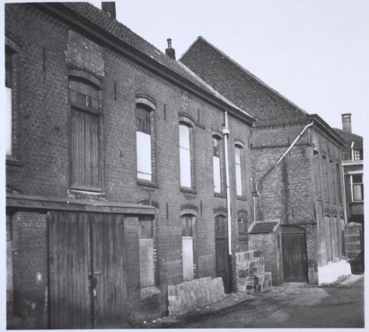 024175 - Achterzijde van het bedrijfspand Prinses Sophiastraat 21, kort voor de sloop