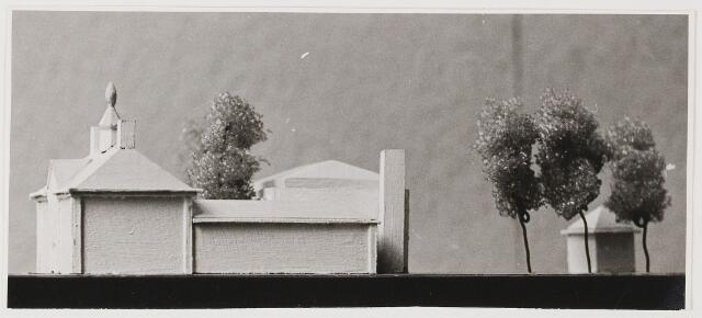 080535 - Maquette van vernieuwd Udenhouts gemeentehuis.