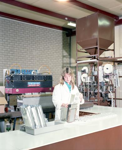 D-001930-1 - Autex BV koffieautomaten, Kraaivenstraat 13