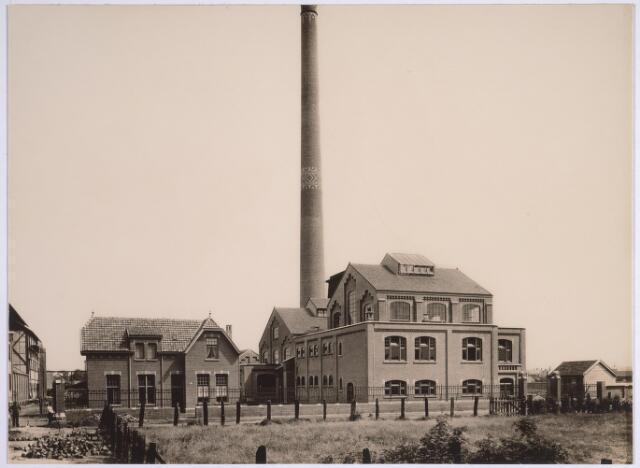 025147 - Nieuwbouw van de gemeentelijke gasfabriek aan de Lange Nieuwstraat in 1910