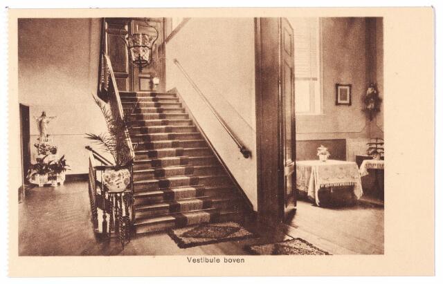 001581 - Trappenhuis en vestibule op de verdieping van het St. Josephgasthuis aan de Lange Nieuwstraat.