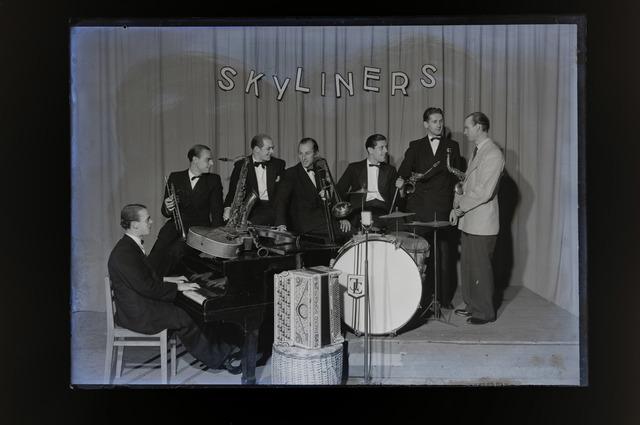 654099 - Cultuur. Showorkest Skyliners