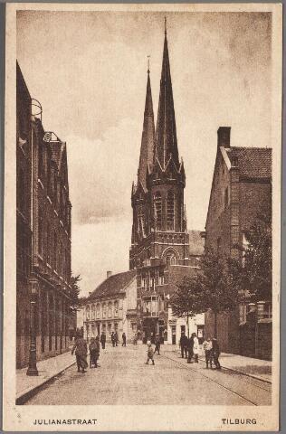 011165 - De Prinses Julianastraat, nu Heuvelring. Links hotel Riche,