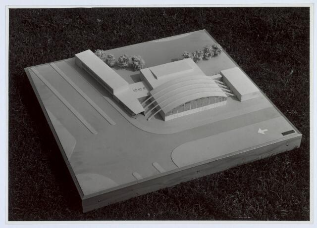 019780 - Maquette uit 1955 van de te bouwen stadssporthal