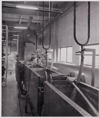 041947 - Gezondheidszorg. Hygiëne. Wasserijen en blekerijen. Automatische wasstraat van de dienstencentrale.