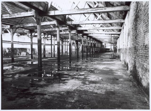 019257 - Interieur van een gebouw van de voormalige wollenstoffenfabriek C. Mommers