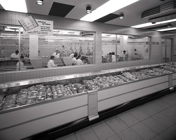 654645 - Interieur. Vleesafdeling van de Priba.