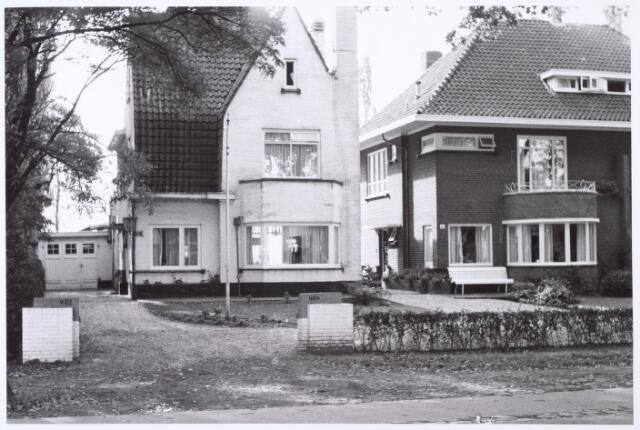 016430 - Panden Bredaseweg 402 (links) en 404 (rechts)