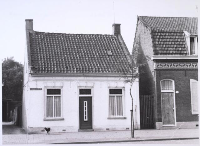 023671 - Pand Kempenbaan (Koningshoeven) 11 eind oktober 1968