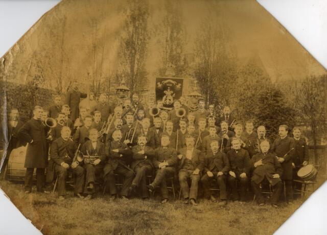 071366 - Nieuwe Koninklijke Harmonie uit Tilburg (opgericht in 1843)
