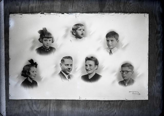 654399 - Portret. Fotocollage van een familie.
