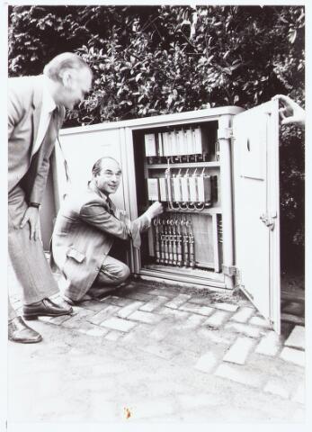 063522 - Aanleg C.A.I. In 1980 werd in Berkel-Enschot de centrale antenne inrichting aangelegd. Terus Robben sluit 8 gezinnen aan op C.A.I.
