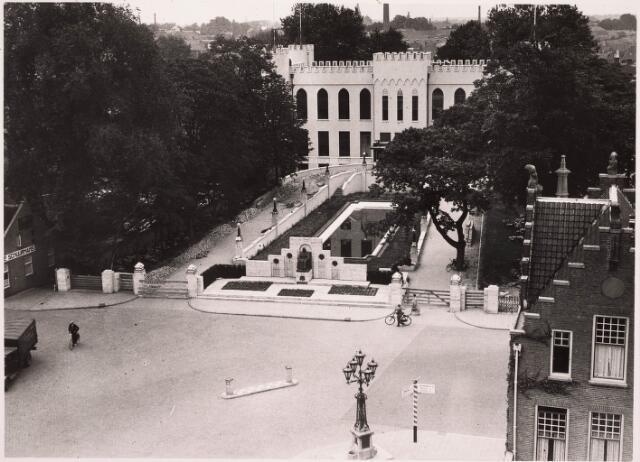 032120 - Paleis-Raadhuis aan het Stadhuisplein