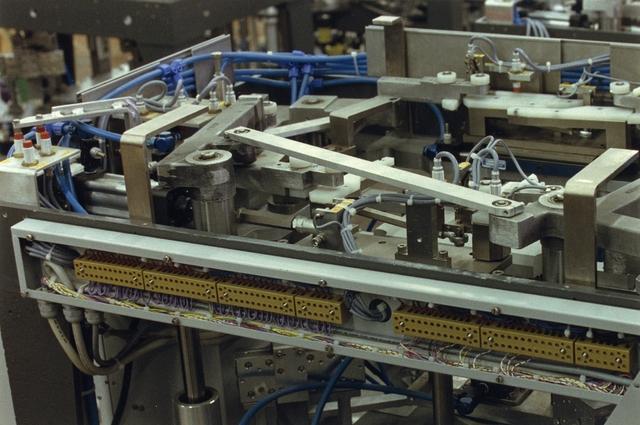 655589 - Detail van de aandrijving van de montage machine voor hoogspannings-trafo,s
