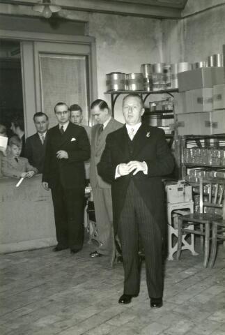 601958 - Toespraak door N.N. t.g.v. het 50-jarig dienstjubileum van Frans van Raak  bij koekfabriek A.H.O. (Adriaan Huijbregts-Ooms) in Tilburg.