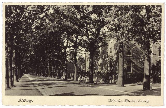 000226 - Bredaseweg met rechts het klooster van de Dochters van O. L. Vrouw van het H. Hart