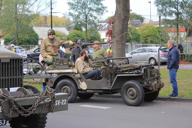 658366 - Tilburg 75 jaar bevrijd. Een optocht met militaire voertuigen en taptoe door de Tilburgse binnenstad op 27 oktober 2019.