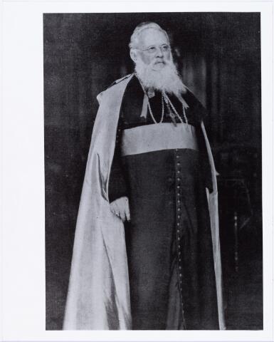 006395 - Mgr. Joannes Cornelis Christianus Aelen (John) geboren Tilburg 25.12.1853, zoon van looier Gerardus Aelen en Antonia Maria Bink, missionaris van Mill Hill, aartsbisschop van Madras. Hij overleed aldaar op 11 februari 1929.