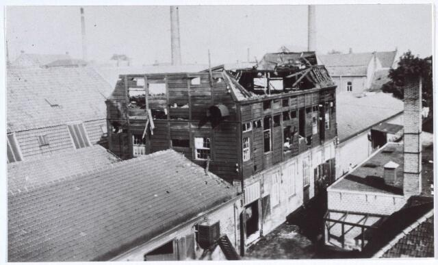 019500 - Brand in een gebouw van lederfabriek Willem Vos aan de Goirkestraat halverwege augustus 1934