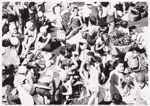 029999 - Zwembad aan de Ringbaan-Oost