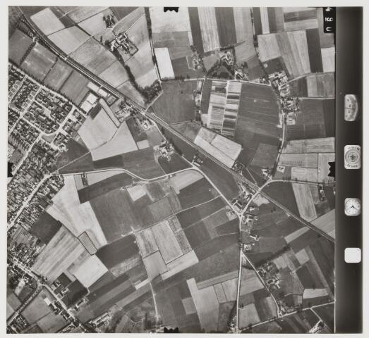 079878 - Gebiet: 1/ 3939- Berkel- Enschot. Maszstab: 1: 6000  Streifen Bild Nr.: 1490 Kammer: RMKA 30/ 23   Datum: 7-6--75 Filmmat.: Pan 30 Freigabe: Frei Meters liggen aan de zuidkant. Noorden: Een hoek van Zeshoven in Udenhout.
