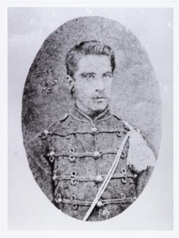 006561 - Johannes Cornelis van Besouw, geboren te Tilburg 14-5-1857 van beroep wever, overleden te Mechelen (België) 3-3-1890. Hij trouwde te Tilburg 18-6-1884 met Johanna van de Pas (naaister). Na zijn overlijden keerde zijn weduwe terug naar Tilburg.