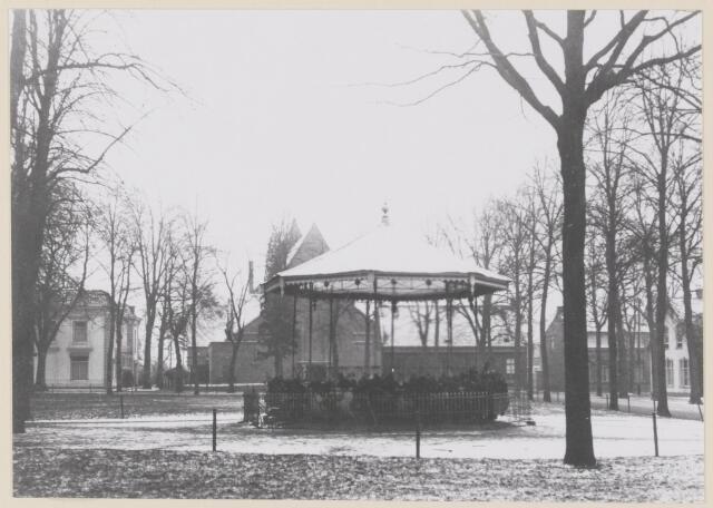078908 - De Lind met kiosk.