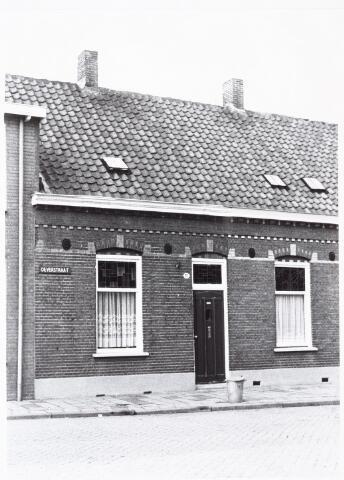 027447 - Oeverstraat 21