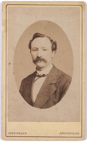 005884 - Leonardus Johannes Daniel Swagemakers, geboren Tilburg 10 januari 1842, overleden aldaar 9 december 1914 gehuwd met Louise Maria Josephine Elisabeth de Horion de Corby, geboren 9 september 1845, overleden Tilburg 21 april 1906