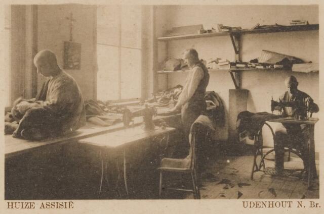 """078322 - Udenhout 1929: """"Huize Assisië"""". Gesticht voor mannelijke zwakzinnigen van den R.K. godsdienst. Kleermakerij."""