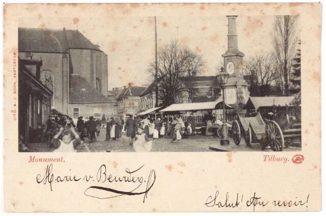 002364 - Splitsing Bisschop Zwijsenstraat, Markt en Paleisstraat. Nu heet dit gebied Stadhuisplein. Links op de achtergrond de kerk van het Heike. Rechts het gedenkteken voor koning Willem II. Op de voorgrond de 'vrijdagse markt'. In 1886 werd geconstateerd dat deze markt steeds verder opschoof van de Markt in de richting van de Paleisstraat en het Willemsplein.