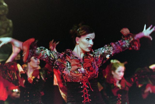 1237_001_027-1_003 - Cultuur. Theater. Tilburgse Revue. Waarschijnlijk de generale repetitie van de voorstelling Fèèn Familie op 17 maart 2005.