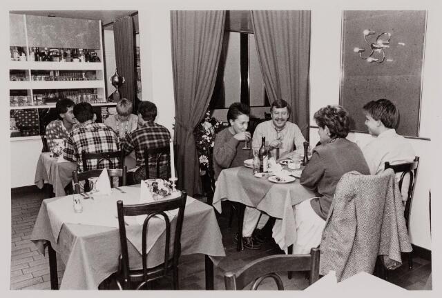 040582 - café Da Peppone, Emmastraat 3