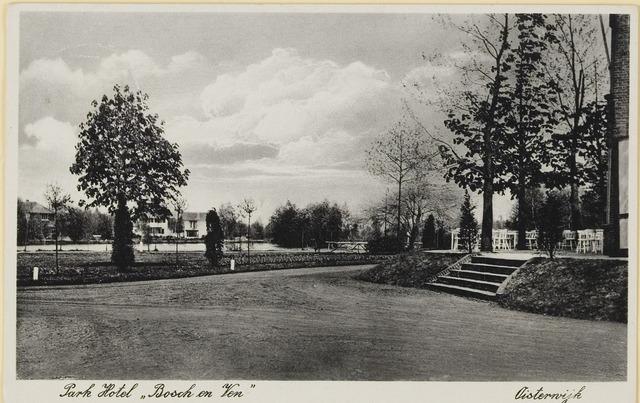 """074141 - Zicht op het Klompven met rechts een deel van het terras van hotel """"Bosch en Ven""""."""