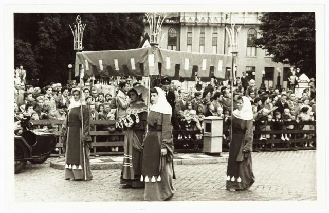 009210 - H. Hartstoet (1955) Hoofddeugd 'De Voorzienigheid'.