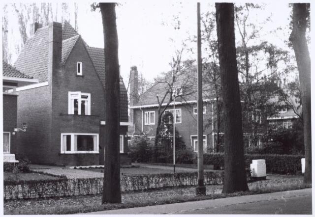 016431 - Panden Bredaseweg 406 (links) en 408 (rechts)