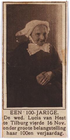 """004459 - Lucia van HEST- PAULUSSEN (Tilburg 1822-1925) vierde op 16 nov. 1922 haar 100-ste verjaardag. Zij woonde in de Industriestraat. Als oudste inwoonster van Tilburg overleed zij in 1925 op de leeftijd van 102 jaar. Zij was in 1846 in Tilburg getrouwd met Martinus van Hest (Tilburg 1821 - ), droogscheerder. Als haar beroep werd """"dienstmeid"""" genoteerd in de huwelijksakte, en als woonplaats Waalwijk"""