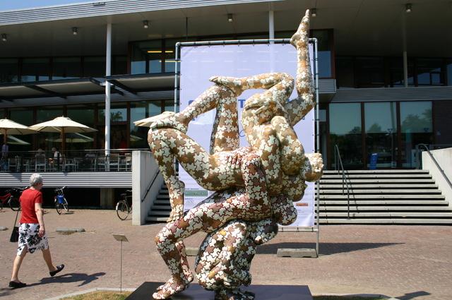 657168 - Kunst. De derde editie van de openluchtexpositie Oisterwijk Sculptuur langs De Lind in 2006.