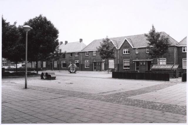 022752 - Horversplein, voorheen Schaepmanplein omstreeks 1982