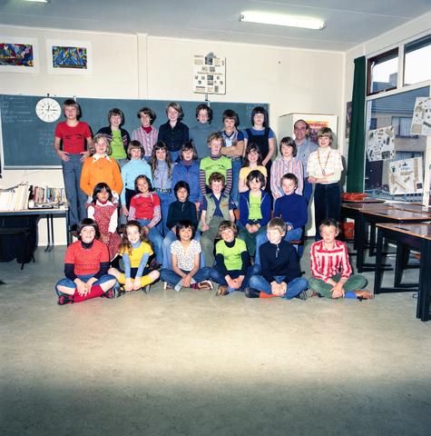 870067 - Klassenfoto. OBS Westerkim, Dongen