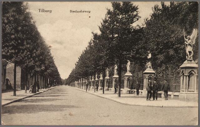 010364 - Bredaseweg met beeldengalerij rondom het kerkhof.