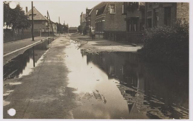 082567 - Rijen, Tuinstraat. Foto toegestuurd door enige Rijenaren i.v.m. slechte toestand van de weg