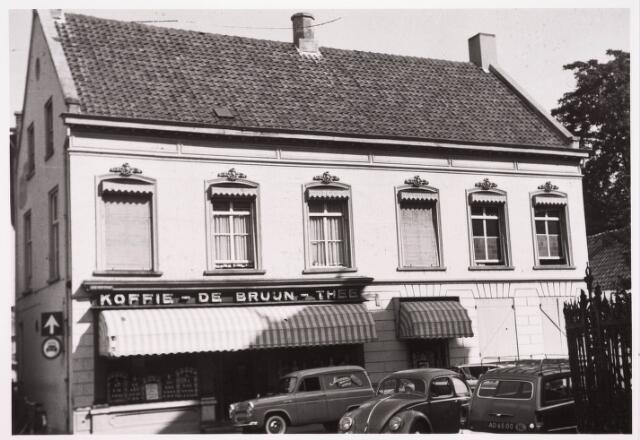 036203 - Stadhuisplein. Monumentstraat firma in koffie en thee Emile de Bruyn v.h. Bronsgeest 'Bronsgist'