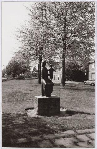 030540 - Beelden: Mariabeeld aan het Rooseveltplein