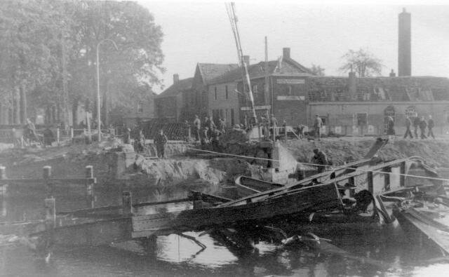 064658 - Tweede Wereldoorlog. Oorlogsschade ten gevolge van de bevrijding van Tilburg in oktober 1944.