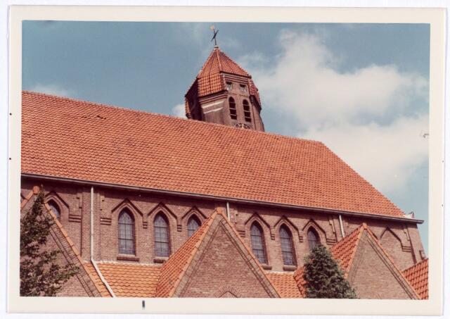 016560 - Zijgevel van de kerk van de Heilige Familie, behorende tot de parochie Broekhoven II