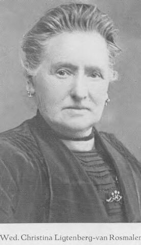 064358 - Christina Ligtenberg-van Rosmalen, weduwe van J.A. Ligtenberg, oprichter van de gelijknamige stoomschoenfabriek.
