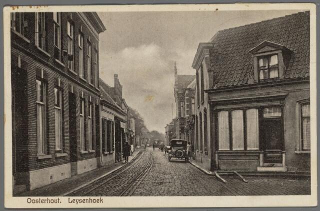102936 - Inkijk in de Leijsenhoek tussen de Waterloostraat en de Donkerstraat..