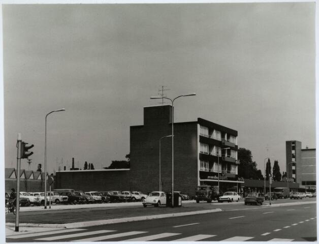 031099 - Schouwburgring.  foto genomen vanaf hoek Lange Schijfstraat.