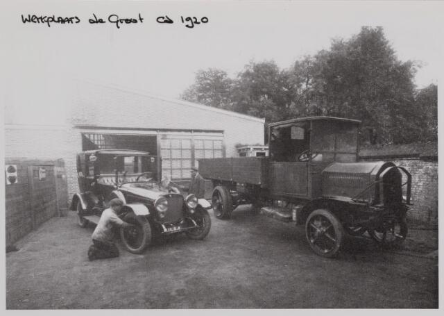040320 - Werkplaats van Automobielmij. de Groot. Deze firma was later vele jaren aan de Spoorlaan recht tegenover het station gevestigd.
